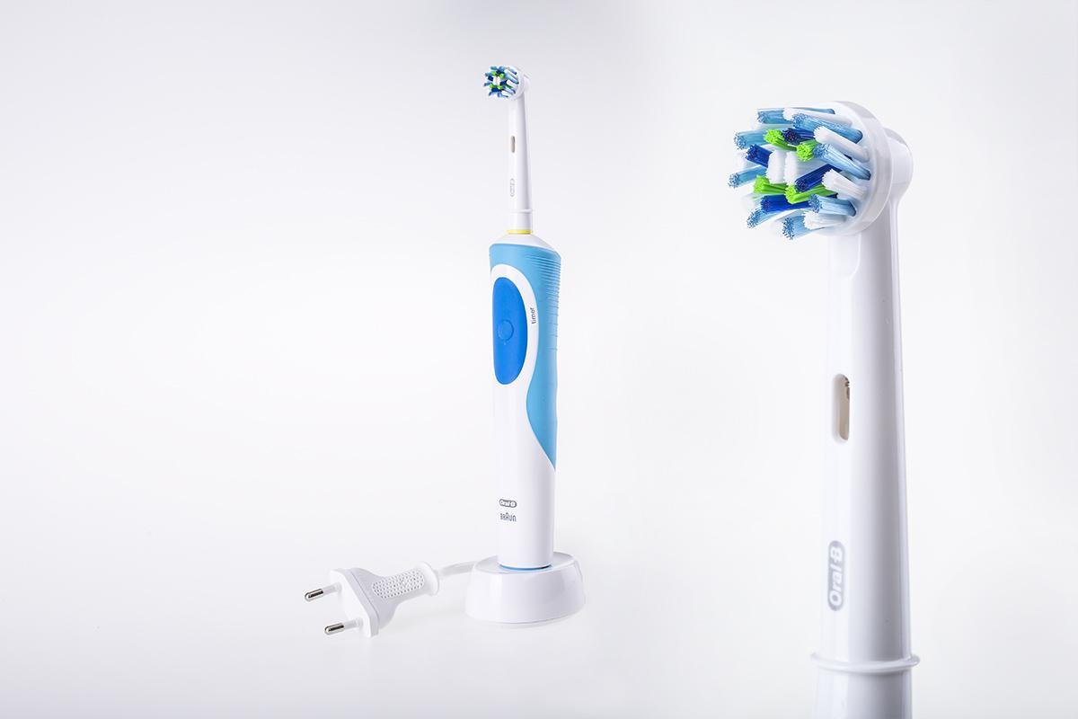 Zdjęcie produktowe elektrycznej szczoteczki do zębów